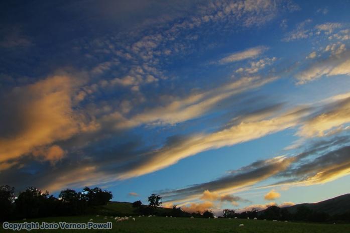 Sundown above Llwyn-y-fron