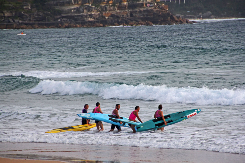 Surf party heading out after Bold & beautiful are down and dusted.
