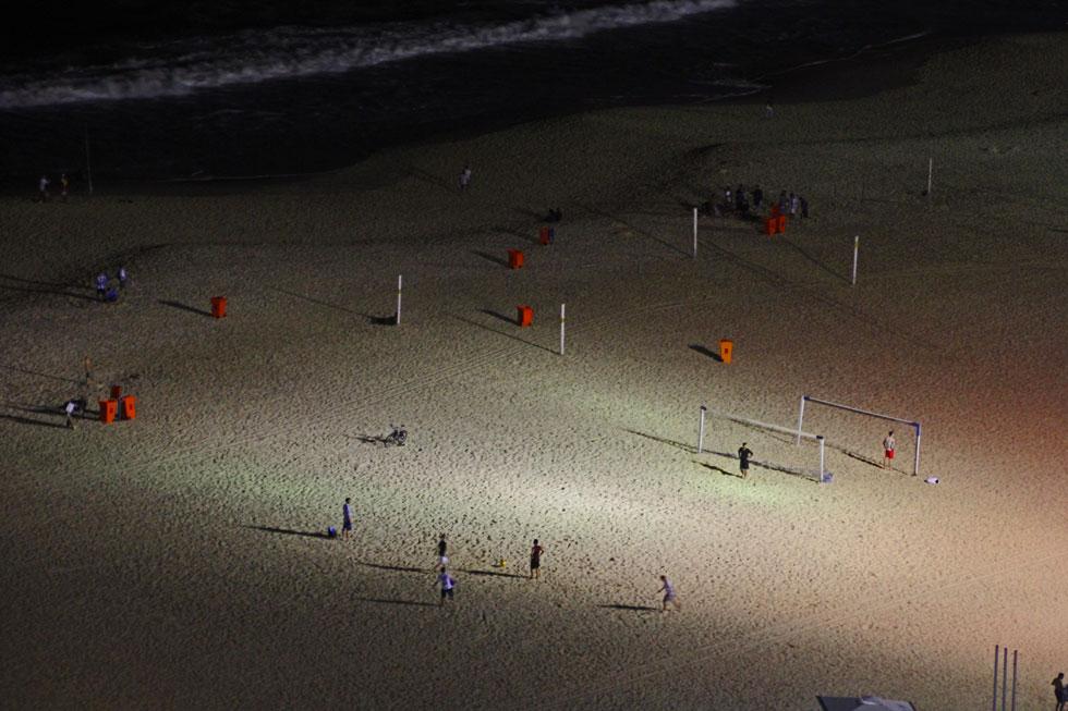 copacabana-night-game-copyr