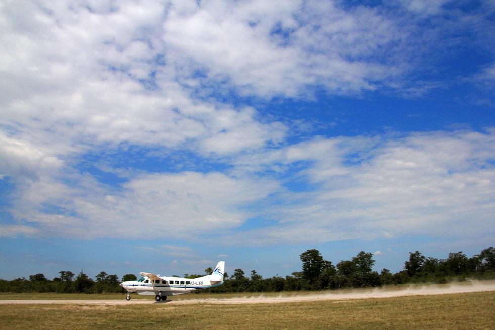 airstrip-landing-copyright-
