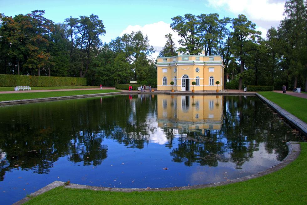 catherine-palace-garden-lak