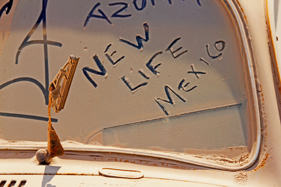 new-life-mexico-in-dust-cop