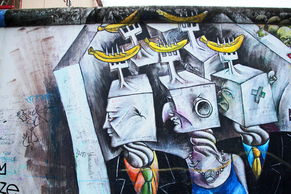 berlin-wall-square-heads-co
