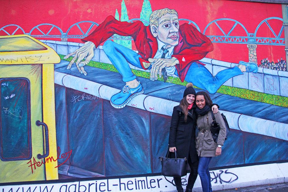 berlin-wll-posing-copyright