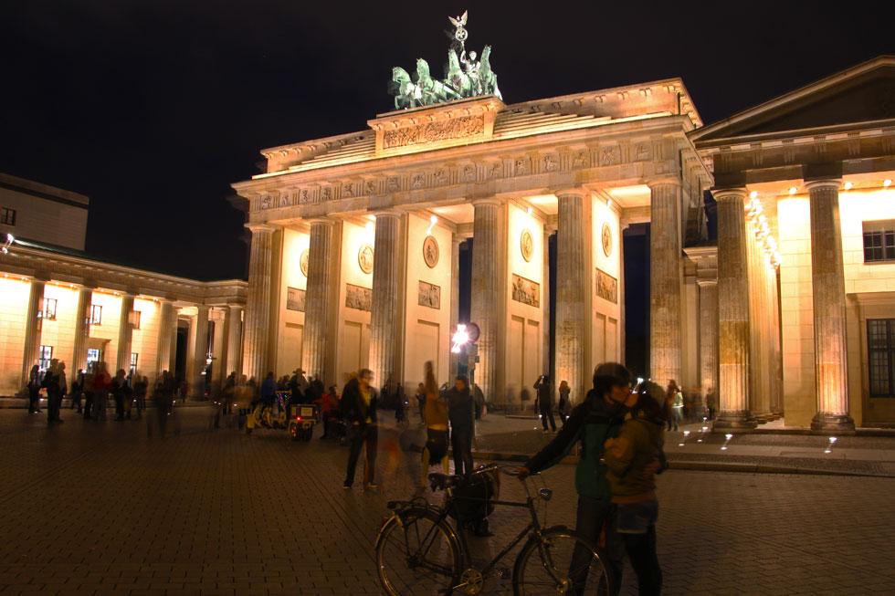 Brandenburg Gate embrace - East Side.