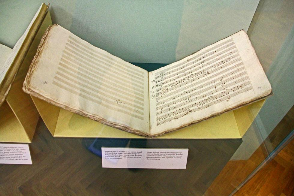 Original script from George Frederick Handle's Meesiah