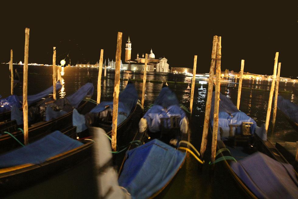 midnight-gondolas-copyright