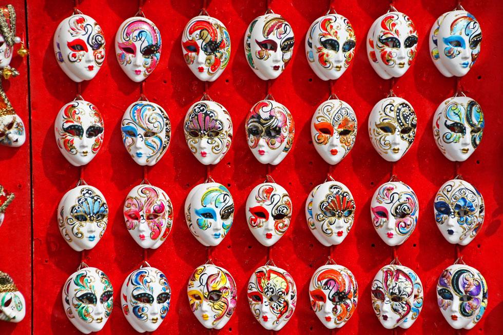 venice-masks-trinkets-copyr
