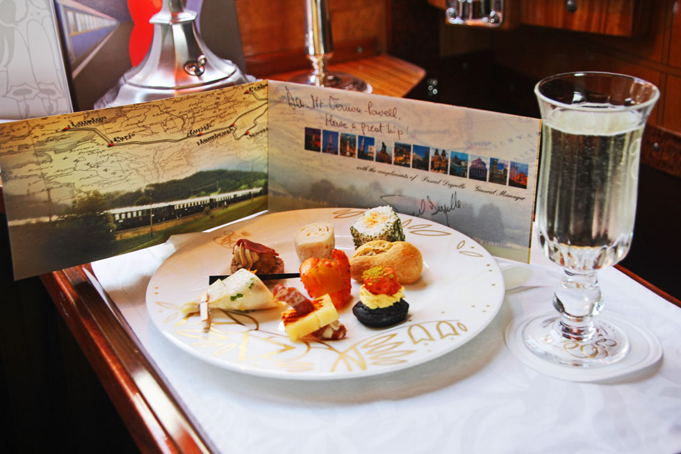 orient-express-welcome-cana