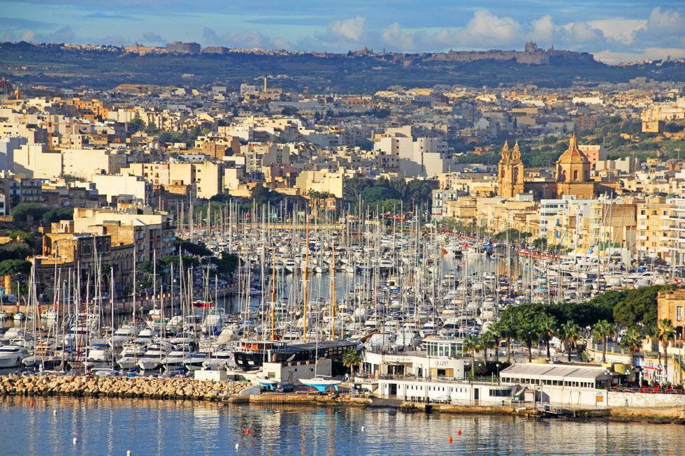 sailing-boat-harbour-valett