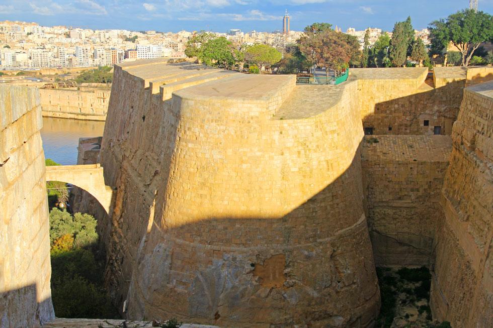 valetta-bastion-ramparts-co