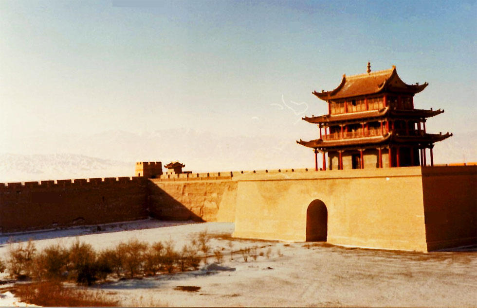 jiayuguan-fort-pagoda-rampa