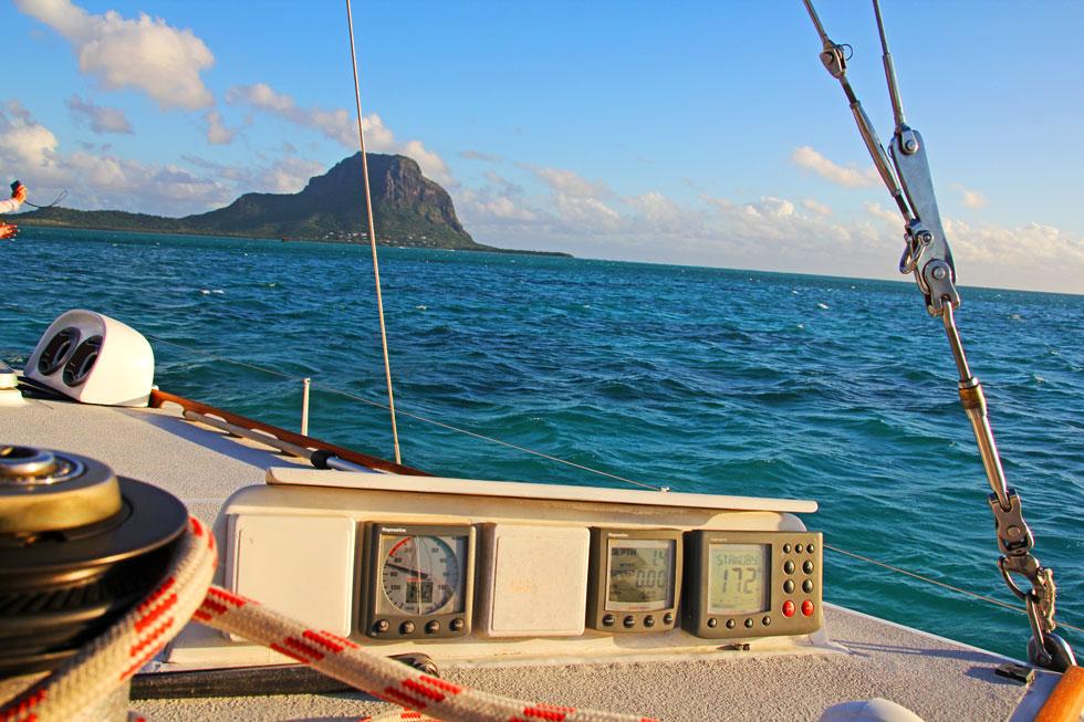 morne-mountain-sailing-copy