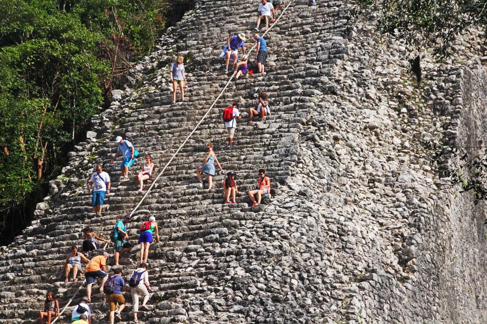 coba-pyramid-climbers-copyr