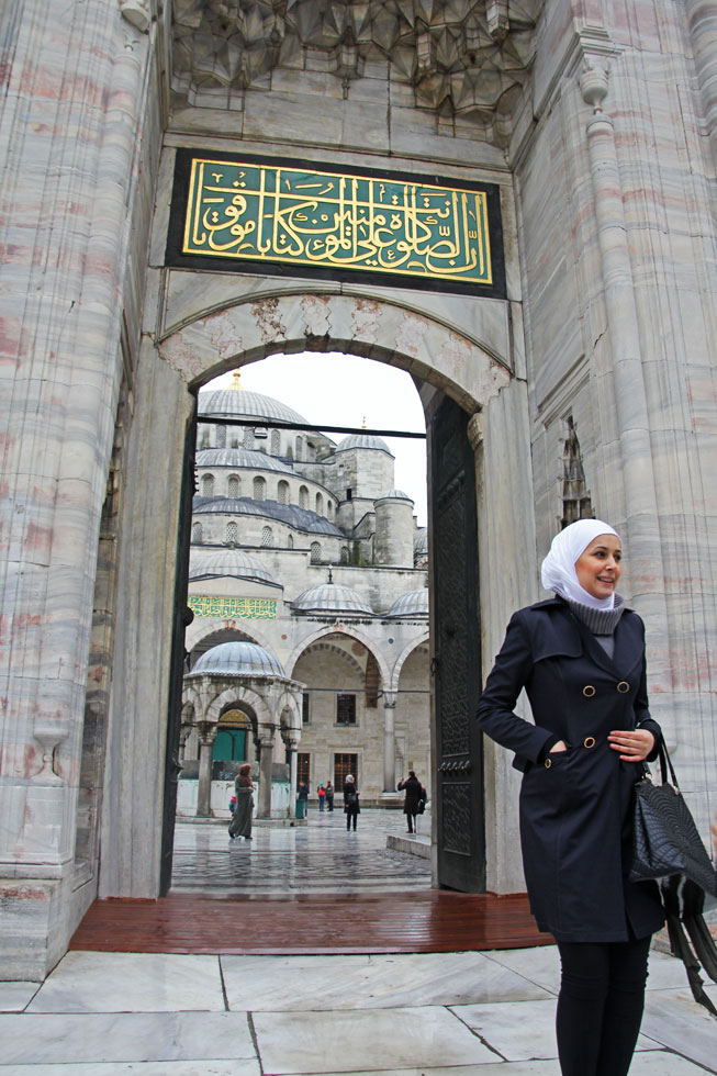 blue-mosque-lady-copyright-