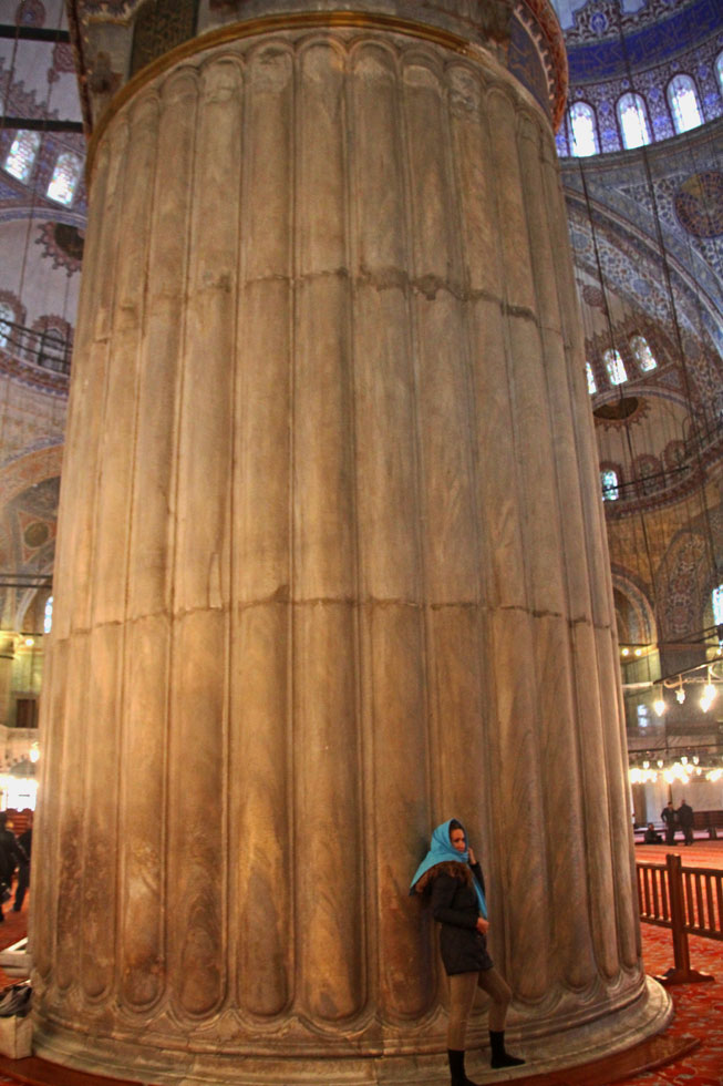 blue-mosque-pillar-copyrigh