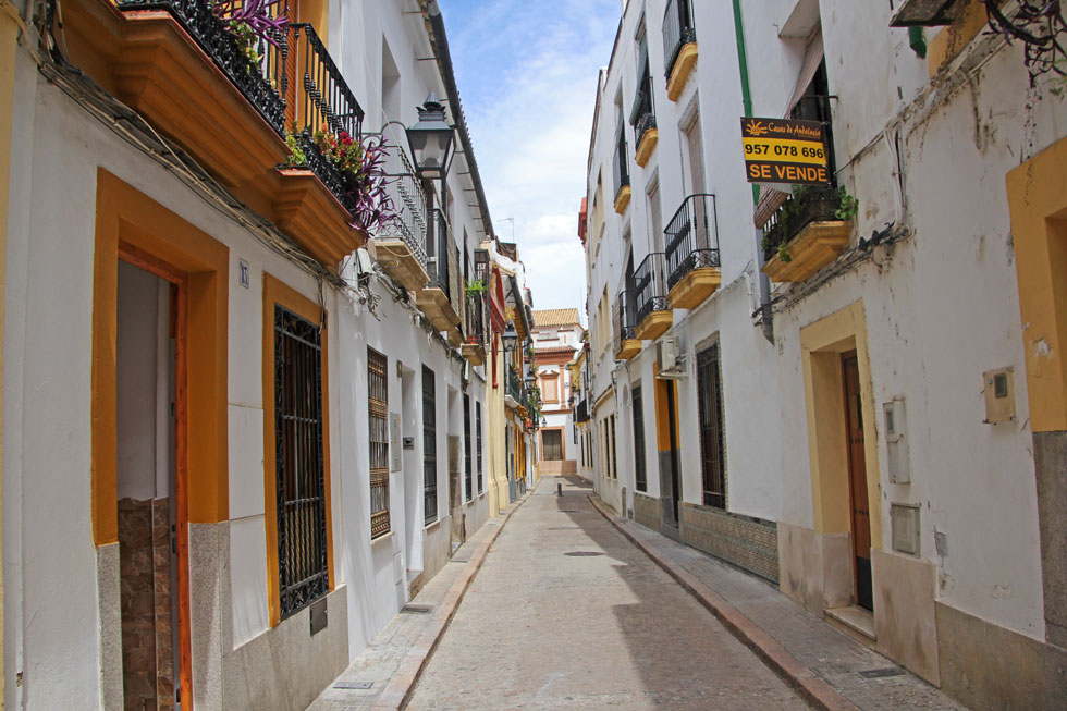 yellow-balconie-cordoba-cop