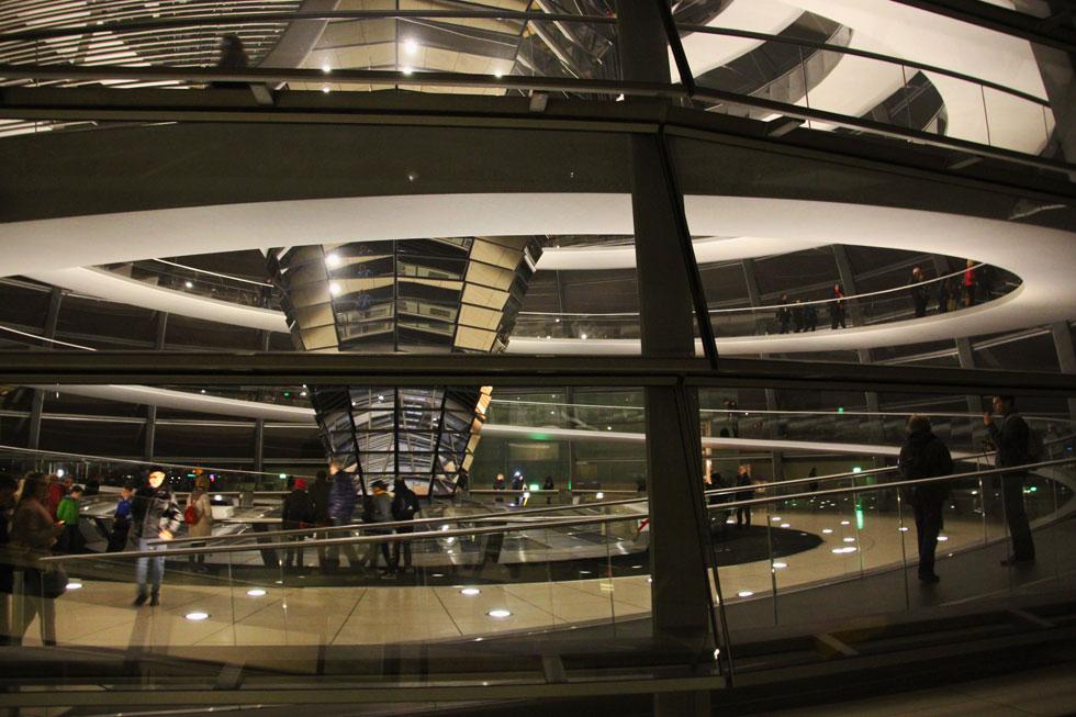 reichstag-glass-view-copyri