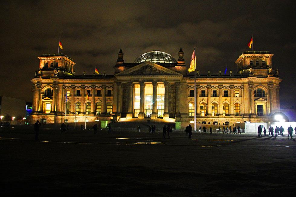 reichstag-night-copyright-j