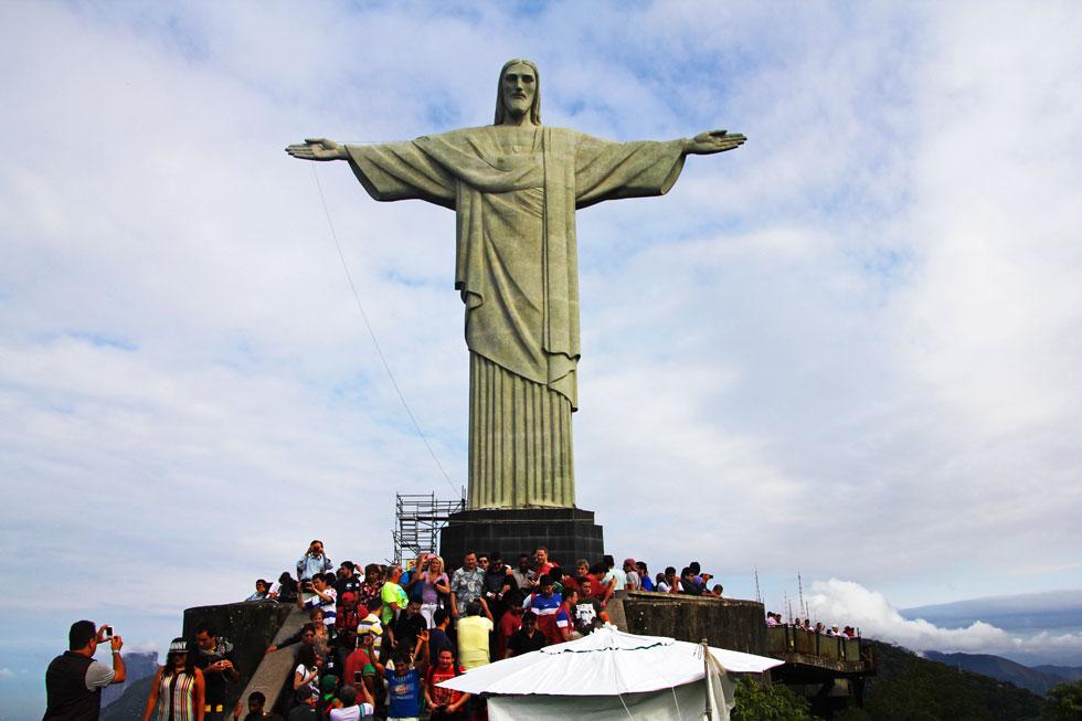 christ-redeemer-crowds-copy