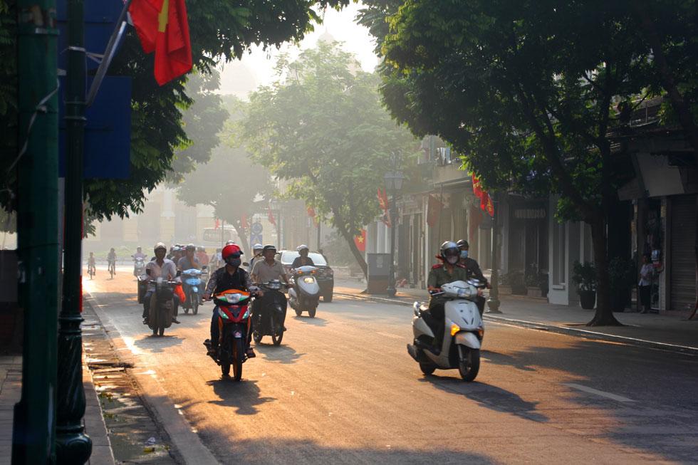 dawn-mopeds-hanoi-copyright