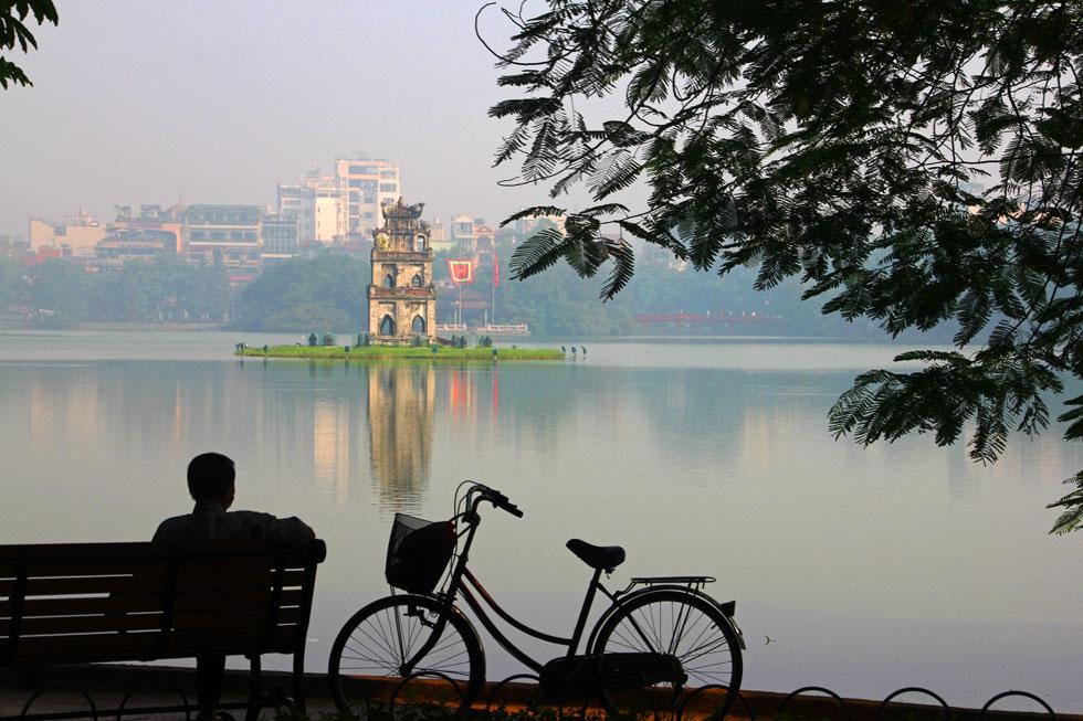 Turtle Tower (Tháp Rùa) in middle of Hồ Hoàn Kiếm Lake.