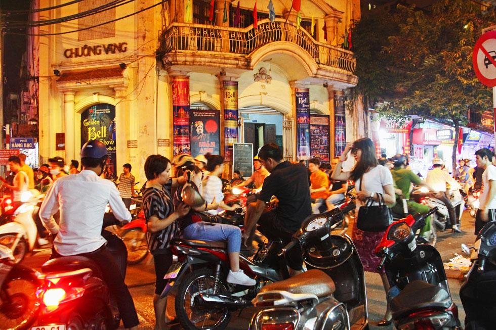 hanoi-scooter-mmet-copyrigh