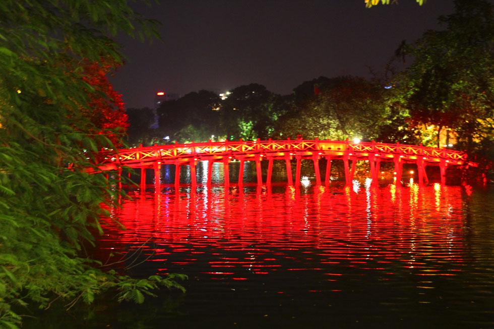 red-bridge-hanoi-copyright