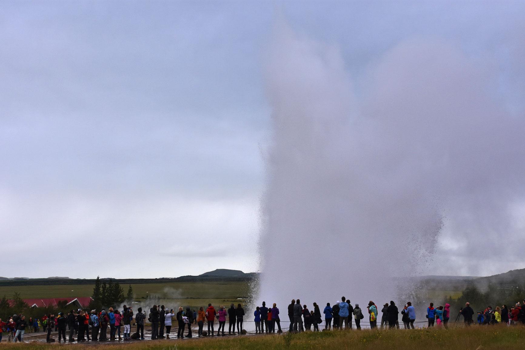 geyser-spurt-copyright-jono